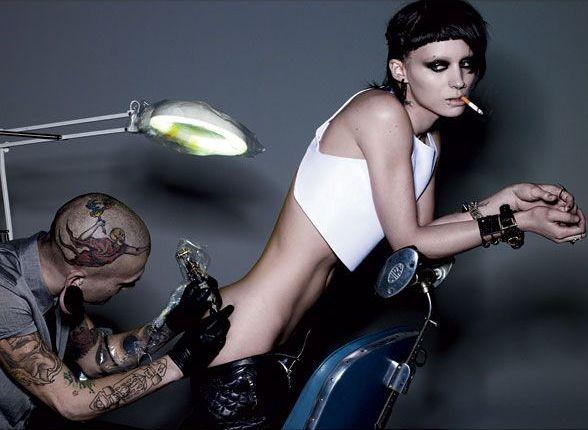картинки девушка с татуировкой