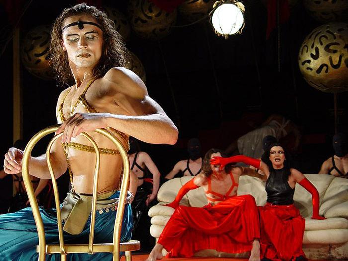 фото в театре голые актеры