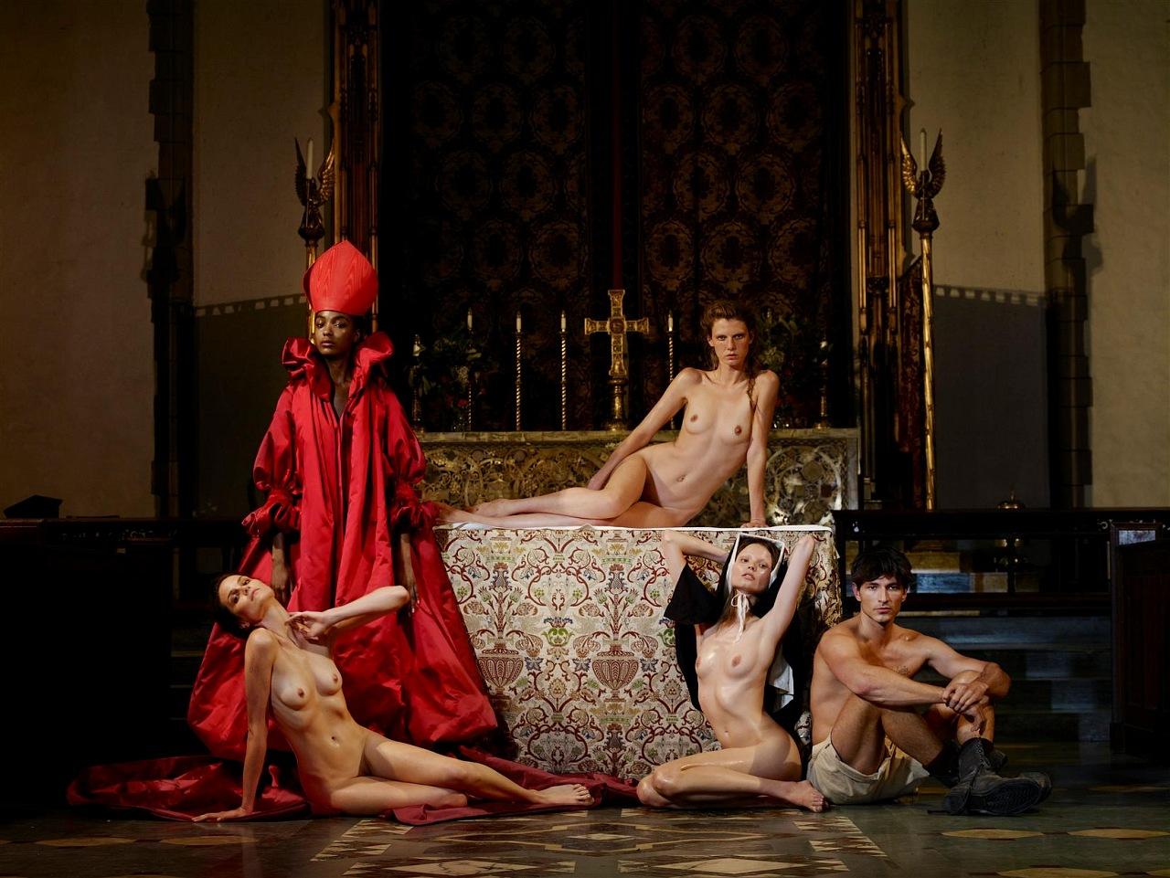 Рассказы про еблю монашек в монастыре фото 690-309