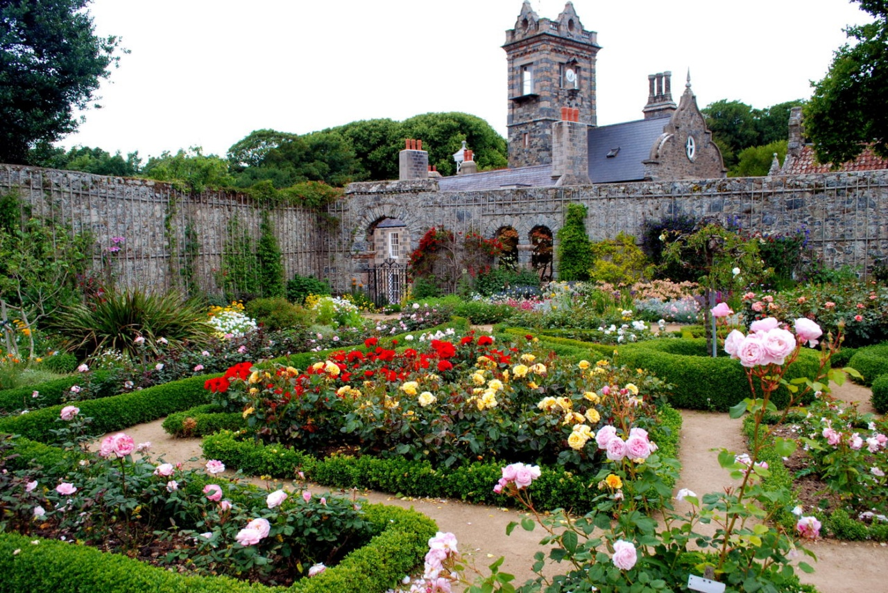парки в монастырях видать