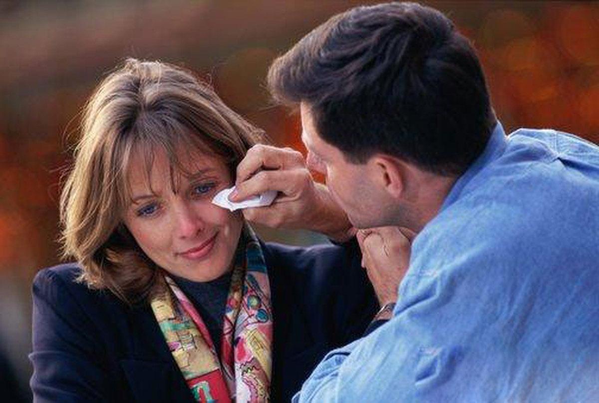 вытирать слезы фото вашей семье